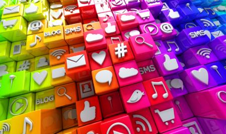 Come promuoversi sui social