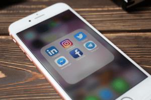 cercare lavoro social media