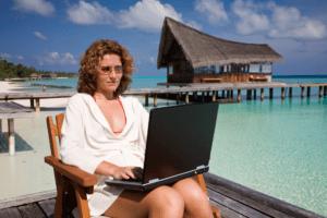 Lavorare in vacanza è il nuovo trend