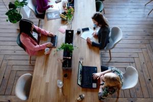 lavoro da remoto spazio coworking